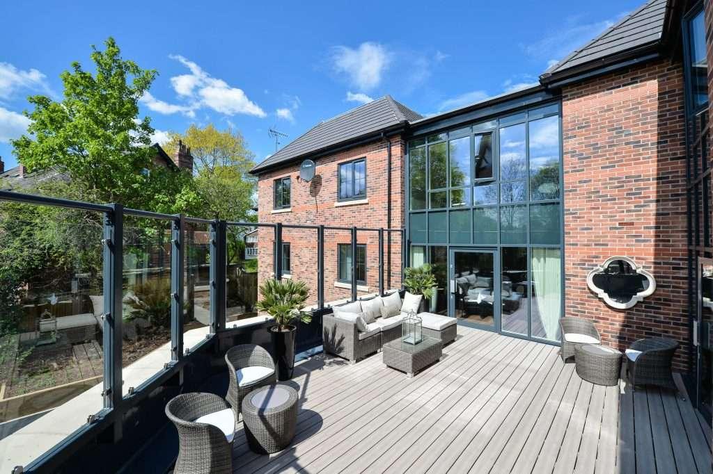 Ashlands Manor - terrace